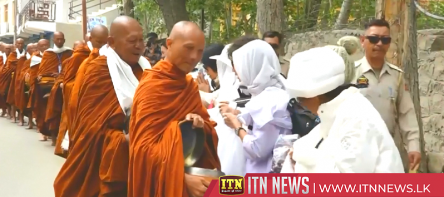 Buddhist monks undertake peace march in northern India