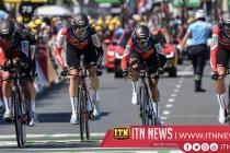 BMC Racing pip Team Sky in Tour de France stage three