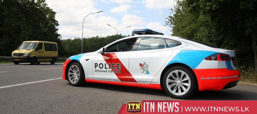 Luxembourg police starts high voltage chase with new Teslas