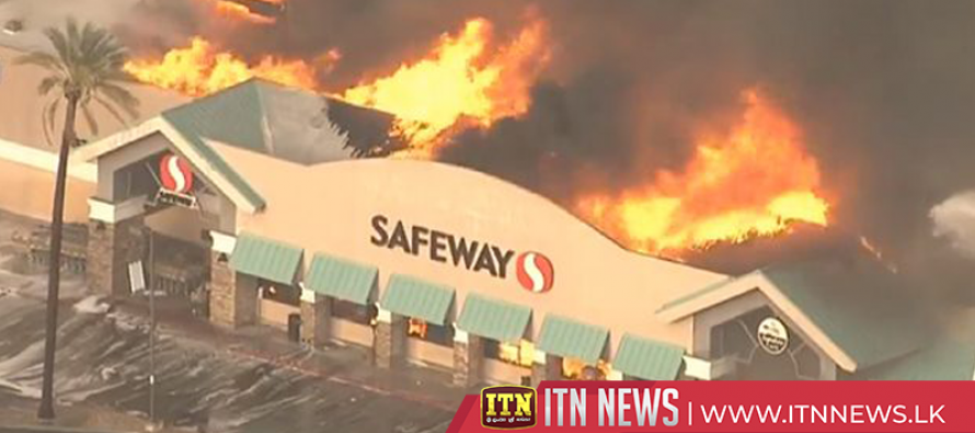 Arizona grocery store roof collapses amid massive flames