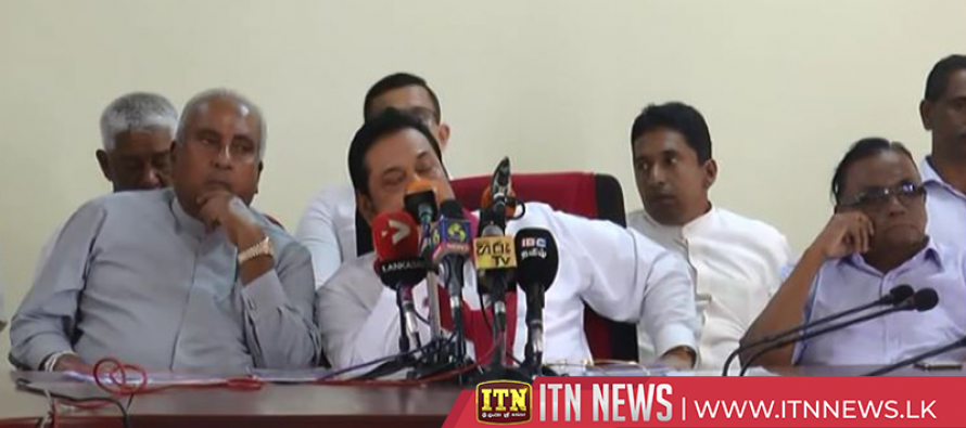 Mahinda Rajapaksa ignores journalists