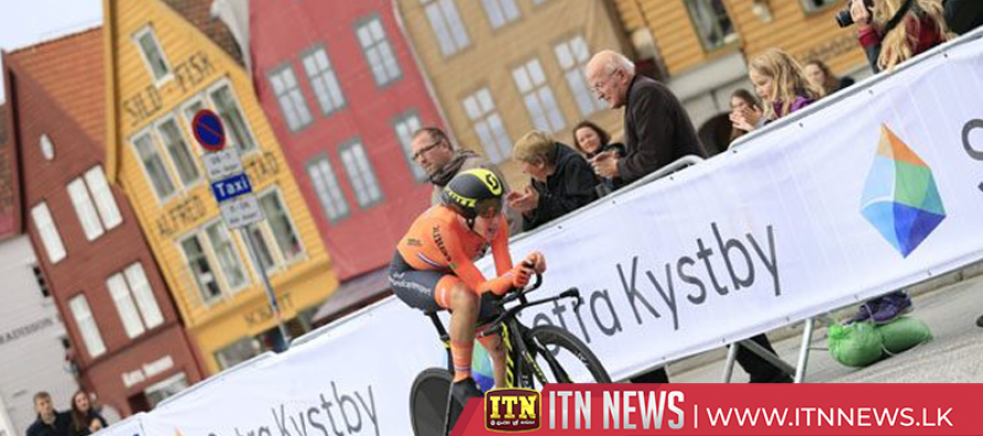 Van Vleuten wins Dutch dominated world time trial
