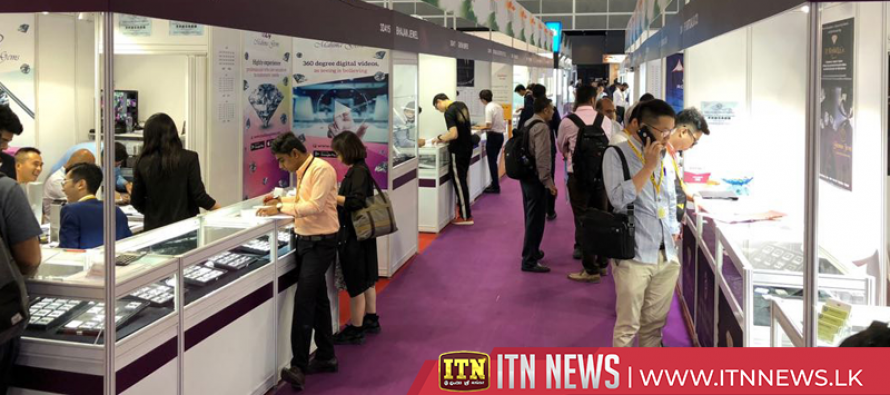 Over 7,000 jewelers participates in gems and jewellery show in western India