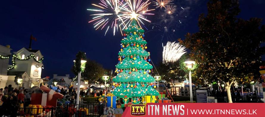Festival of Lights bedecks Berlin in sparkle