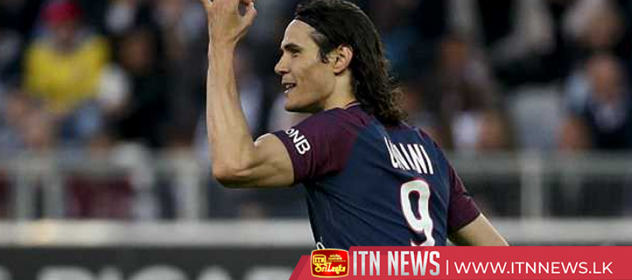 PSG's Cavani collects Golden Foot award