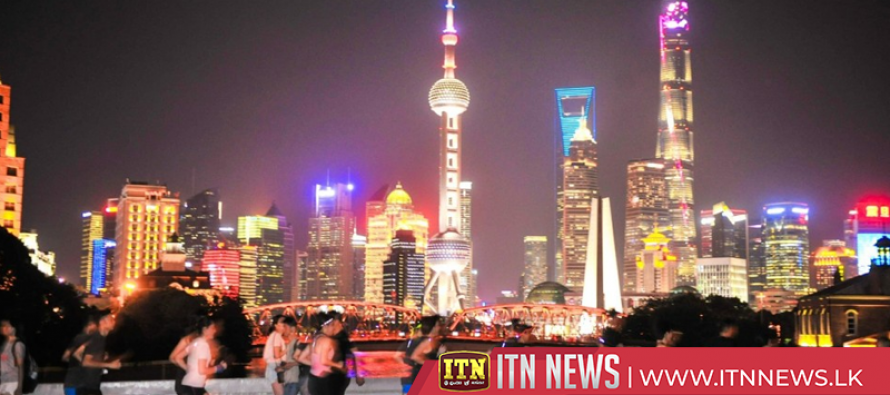 Gorgeous light show staged in Shanghai to celebrate National Day