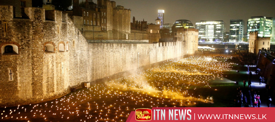 Tower of London's ten thousand torches honour World War One dead