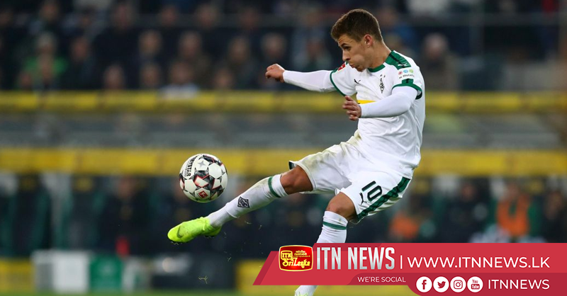 Gladbach beat Hannover 4-1 to tighten grip on second place