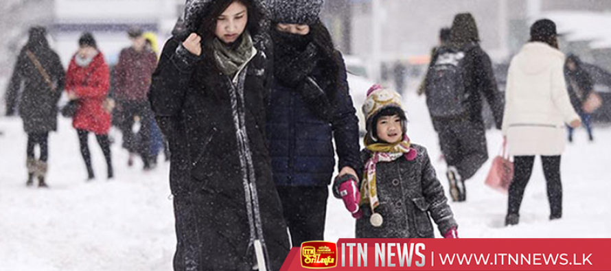Xinjiang takes emergency measures as heavy snow disrupts traffic
