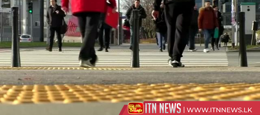 Pollution-reducing pavement to fight smog in Warsaw