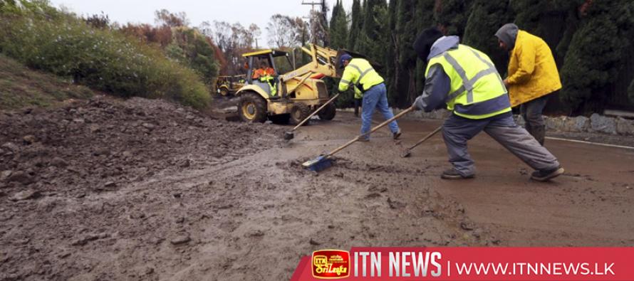 Heavy rain sparks mudslide fears in fire-ravaged Malibu
