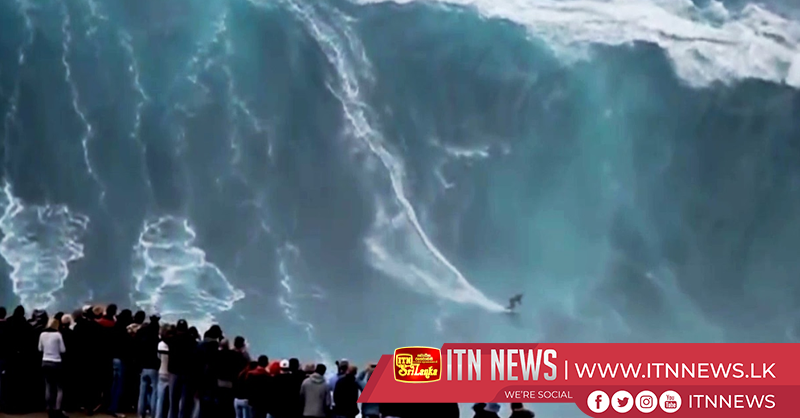 Spectacular big wave surfing in Nazaré