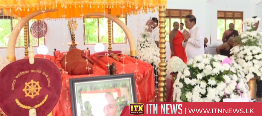 President pays last respects to Devananda Thera