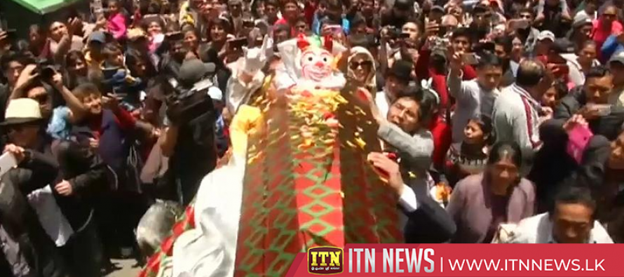 Pepino the Cucumber comes back to life as Bolivia kicks off carnival