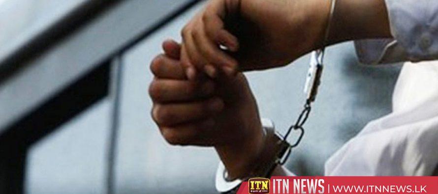 சட்டவிரோதமாக வெளிநாடு செல்ல முயன்ற 30 பேர் கடற்படையினரால் கைது