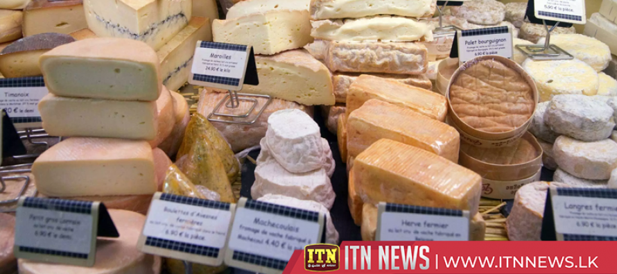"""French artisans use """"Day of the Fromage"""" to save cheese with """"healthy"""" raw milk"""