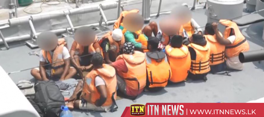 30illegal migrantsnabbed by the Navy have been brought to the island