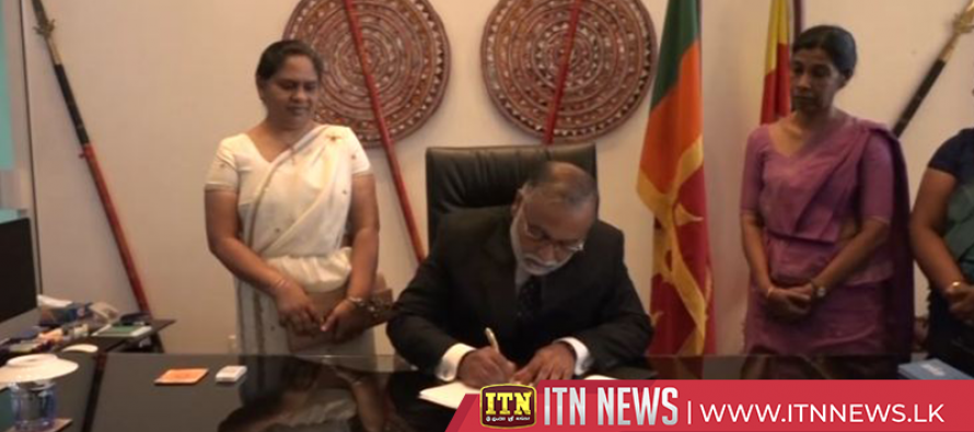 Admiral Sirimevan Ranasinghe assumes office as new Secretary of Ports and Shipping Ministry