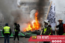 Parisians board up shops for fear of May Day violence