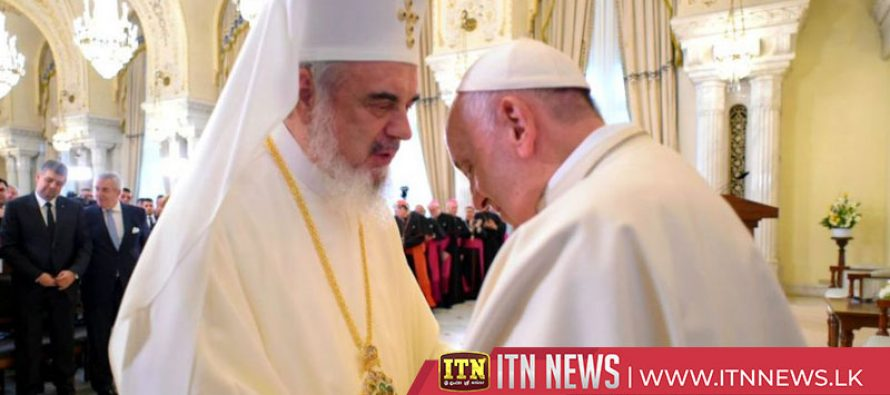 Pope Francis meets lasi Catholics in eastern Romania