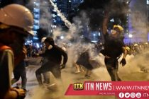 ஹொங்கொங்கில் ஆர்ப்பாட்டக்காரர்களை கலைப்பதற்கு பொலிசார் மீண்டும் கண்ணீர் புகை பிரயோகம்