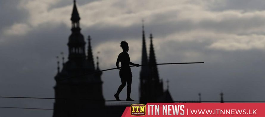 Tightrope walker crosses river to open Prague circus festival