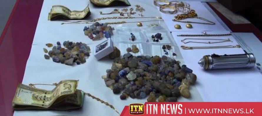 30 மில்லியன் பெறுமதியான பணம் மற்றும் நகைகளை திருடிய குற்றச்சாட்டில் ஐவர் கைது