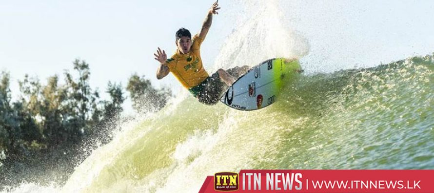 Medina tops leaderboard after opening day of Slater's wavepool WSL event