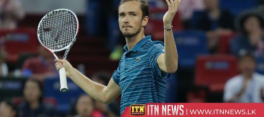 Zverev defeats Berrettini to reach Shanghai final