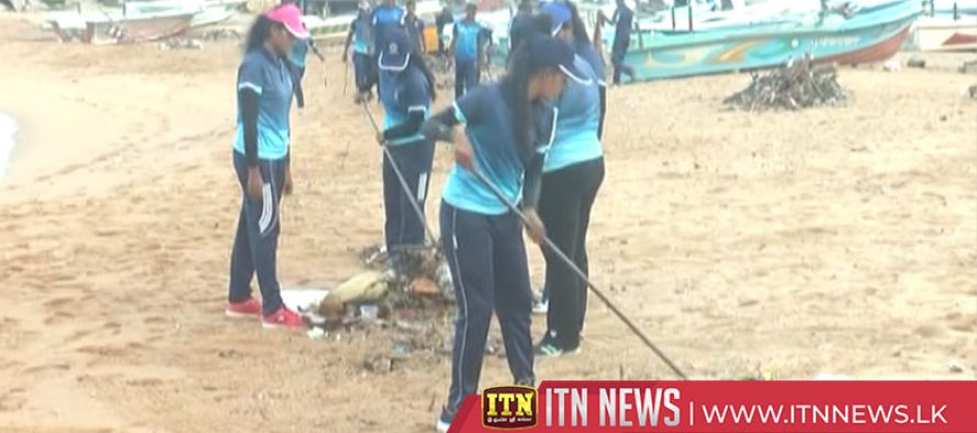 Policeenvironmental unit launch a cleanup programme in environs of Colombo beach