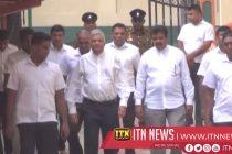 The Former PrimeMinister calls on MahanayakeTheras of Malwatta and Asgiriya
