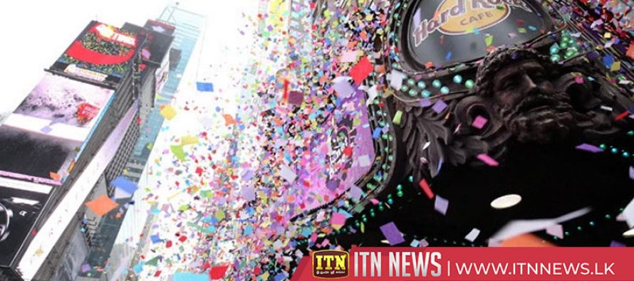 New York preps for New Year's Eve with confetti test run