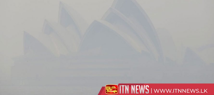 Australia's capital shrouded in thick smoke from bushfires