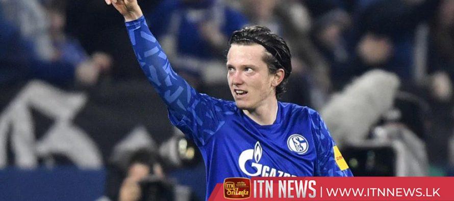 Schalke see off second placed Gladbach 2-0