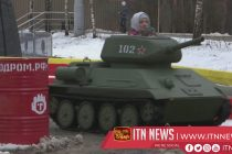 Tanks a lot! Adults and kids take mini tanks for spin in Moscow