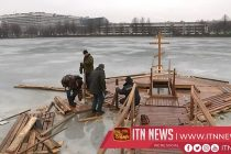 Russians brave freezing water to mark Epiphany