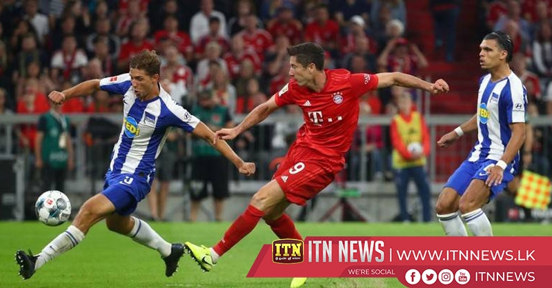Lewandowski double rescues draw for Bayern in season opener