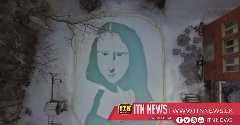 'Snowna Lisa' man recreates iconic painting in backyard