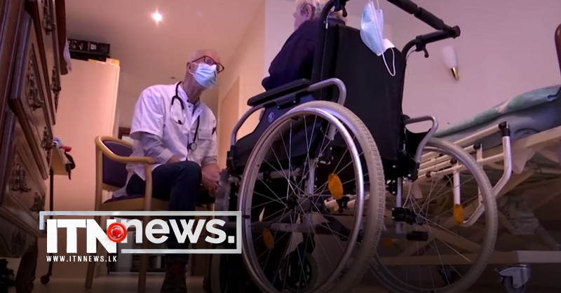 Red tape strangles vaccine rollout in French nursing homes