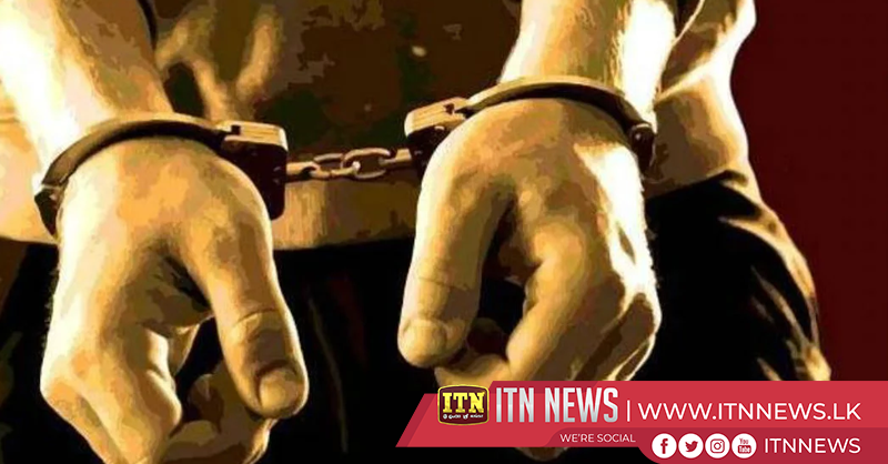 03 persons who were illegally transporting Beedi and tobacco leaves arrested
