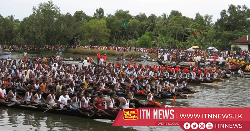 Famous snake boat race draws thousands to India's Kerala