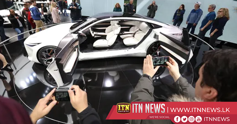 Hot cars take center stage at 2019 Detroit Auto Show