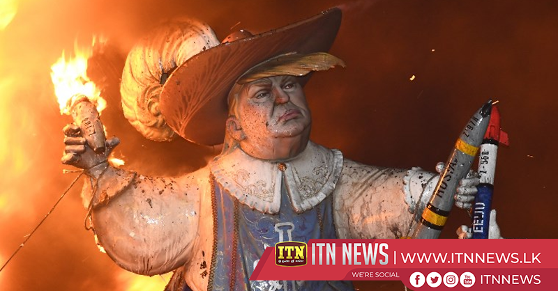 """Spain's """"Fallas"""" festival ends with burning of giant ninots"""