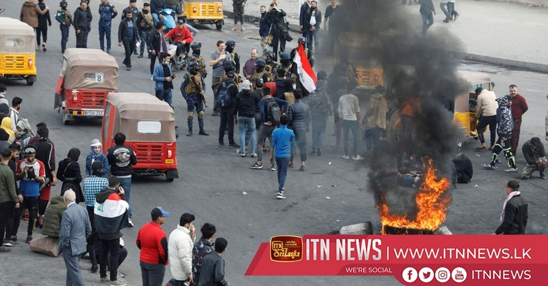 Iraqi protesters block streets in anti-government protests