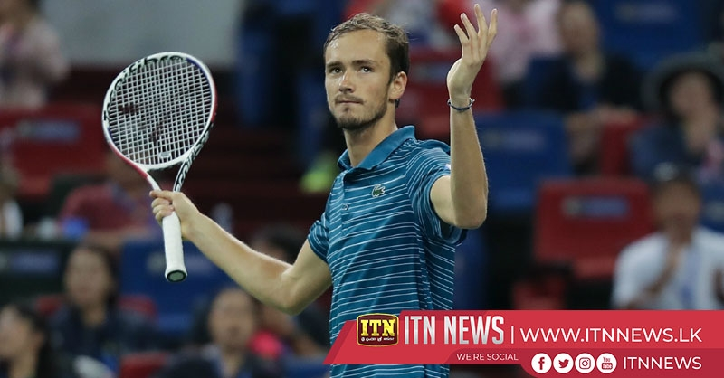 Zverev defeats Berrettini to reach Shanghai final